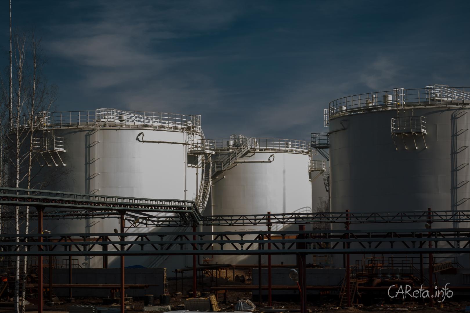 Почему дорожает топливо и кто на этом зарабатывает?