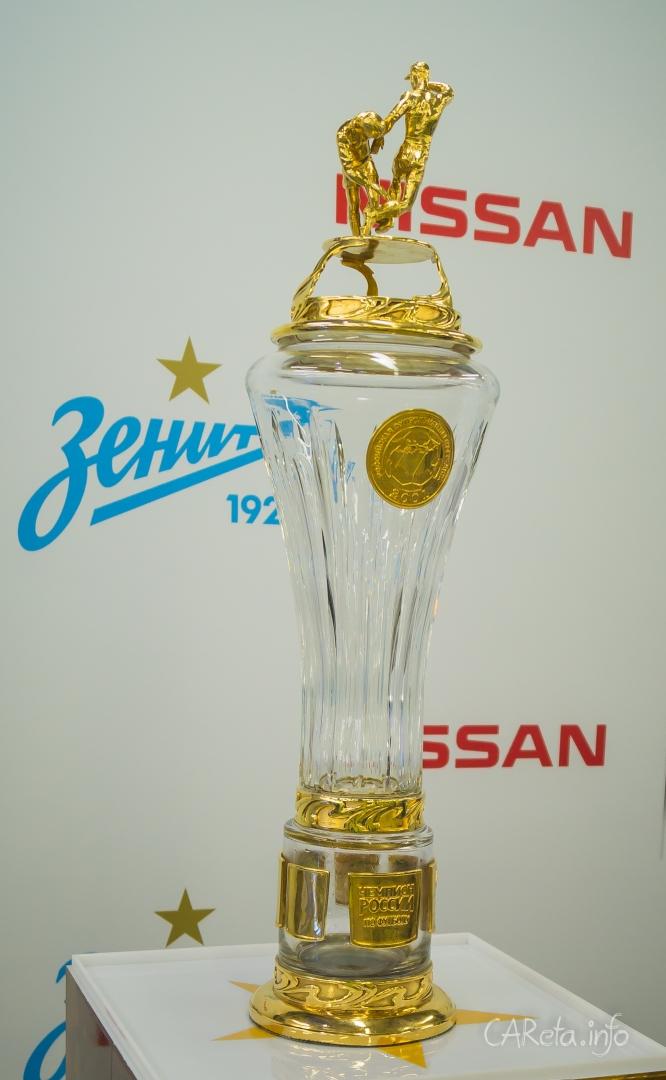 """Россия-Япония: """"Зенит"""" за рулем Nissan"""