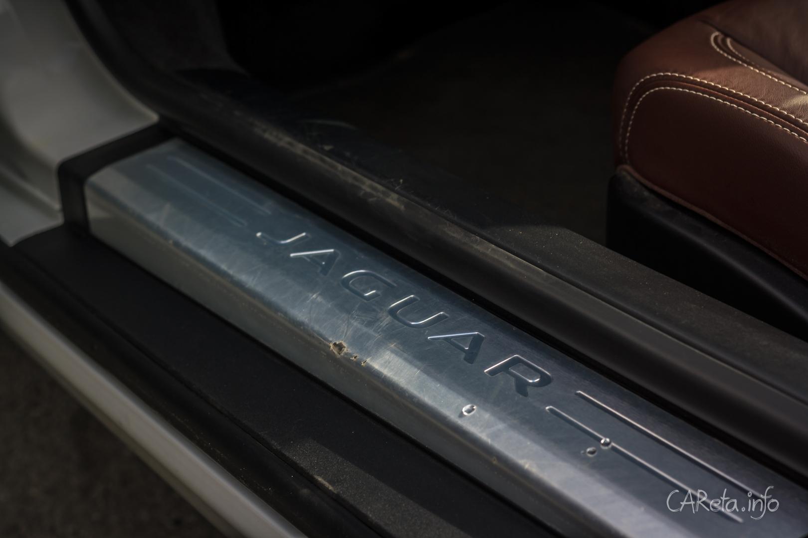Громкий и бесполезный. Тест-драйв Jaguar F-Type