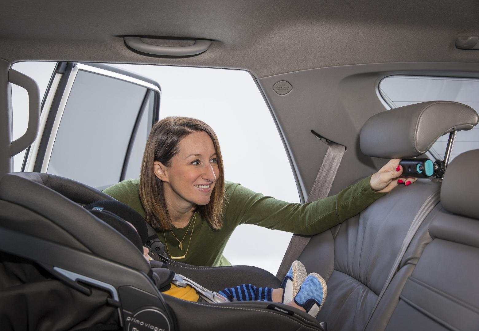Garmin babyCam: дети в машине - теперь под контролем
