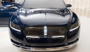 Концепт Lincoln Continental: еще не вышел, но уже со скандалом