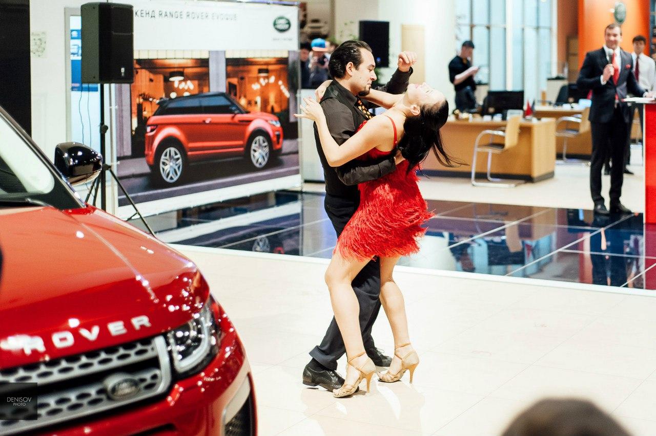 Как презентовали Range Rover Evoque