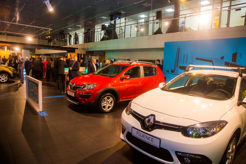 Петровский Автоцентр открыл дилерский центр Renault
