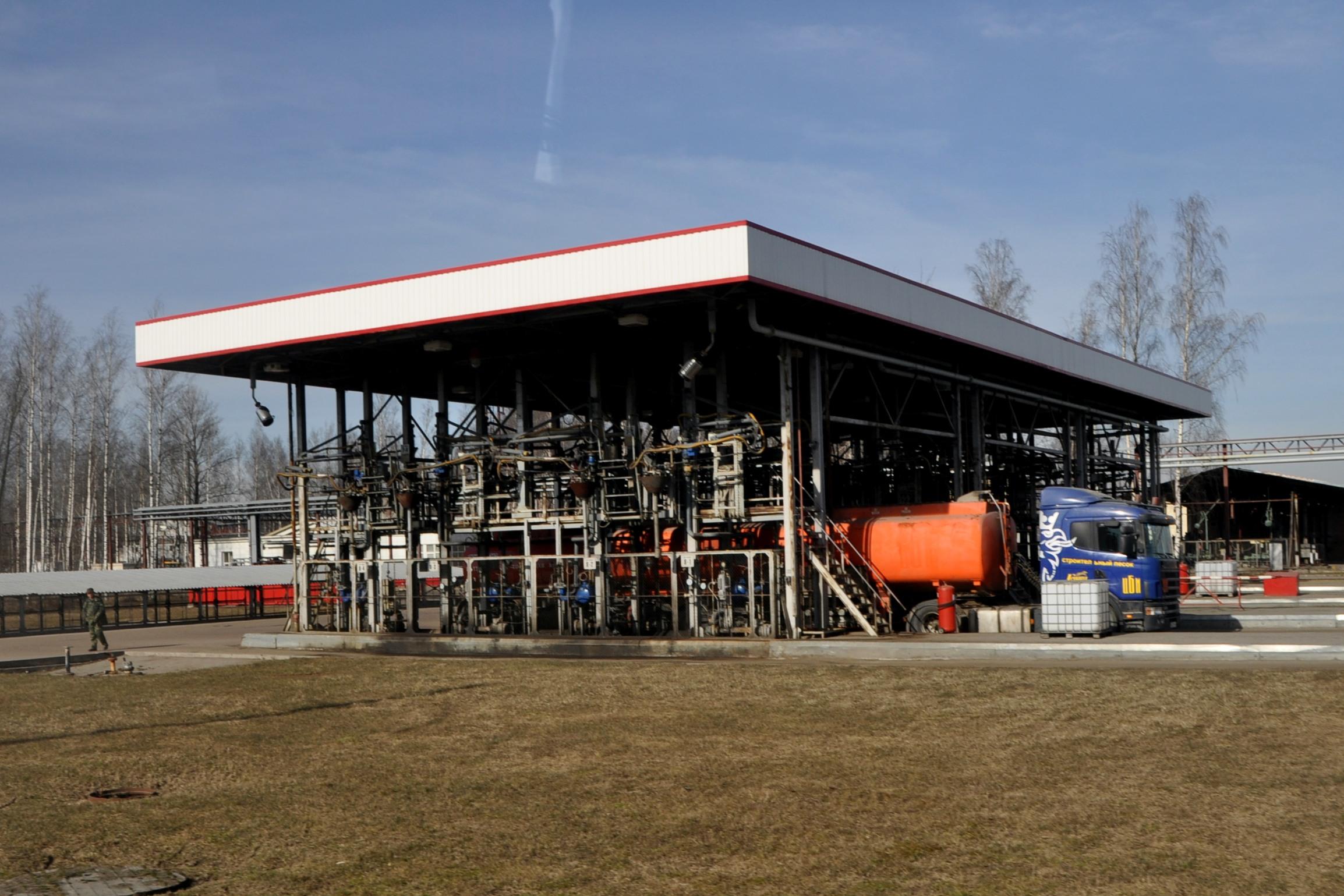 Немного о бензине: как получают и сколько это стоит?