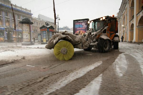 """""""Тройка"""" за уборку: автомобилисты Петербурга оценили уборку снега"""