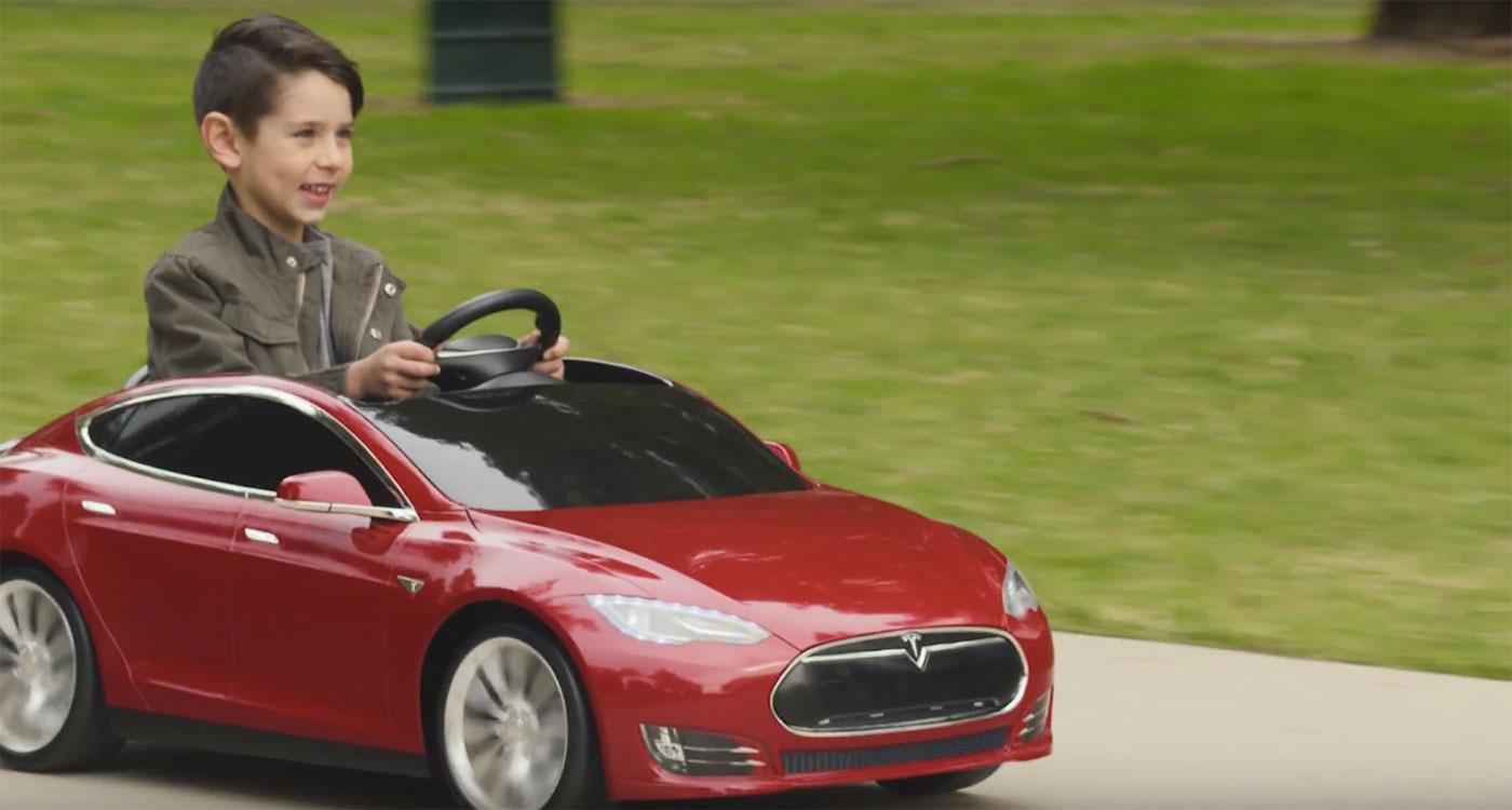 """""""Крошка-сын к отцу пришел"""": Tesla Model S получит детский вариант"""