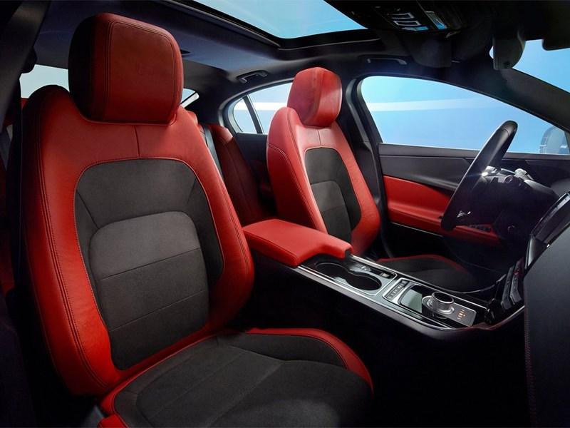 Тест-драйв Jaguar XE. Красота, да и только