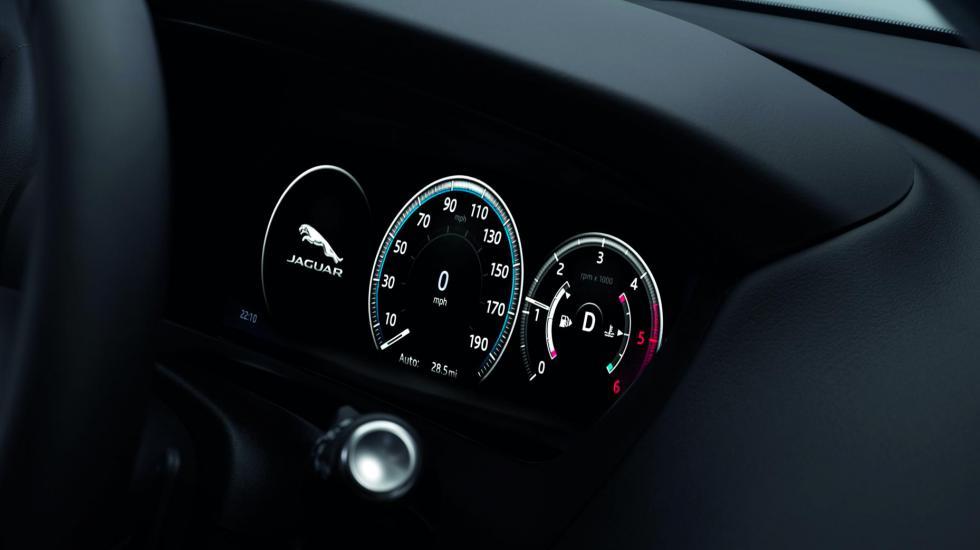 9 фактов, которые вы должны знать о Jaguar F-Pace