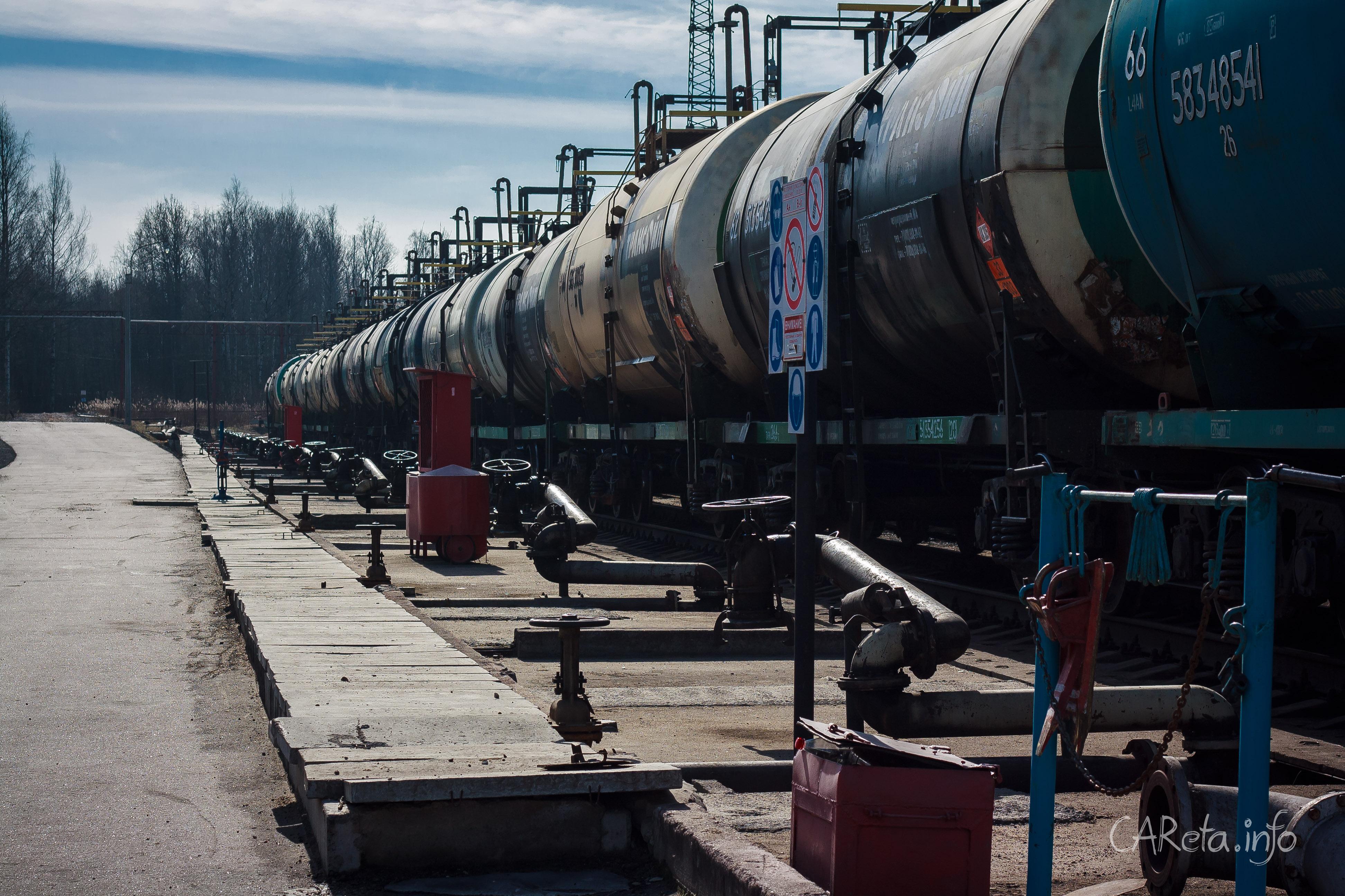 Нефтяники в панике: россияне экономят на топливе!