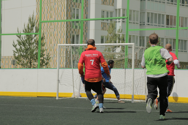 Футбол, тест-драйв и шашлык