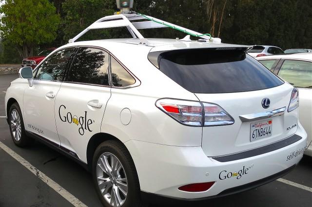 Автопилот Google теперь гудит как человек