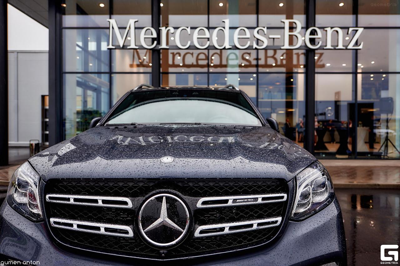 Новый Mercedes Benz в Петербурге