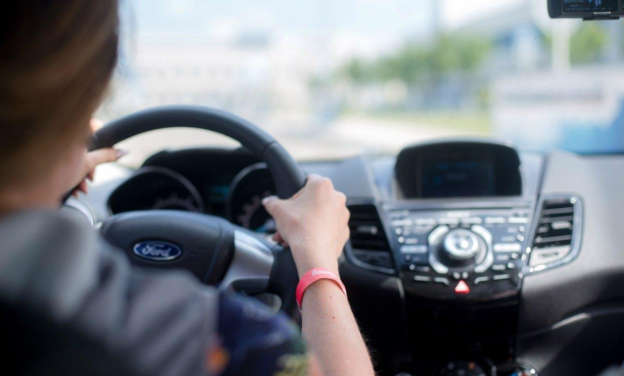 Исследование гендерного неравенства за рулем