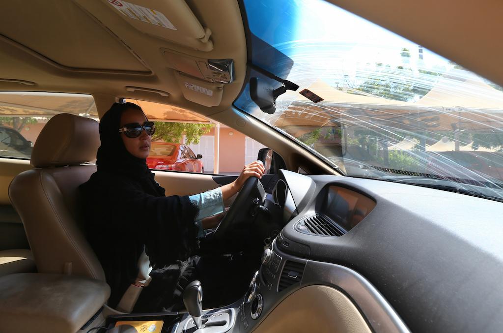 Женщины Саудовской Аравии сядут за руль