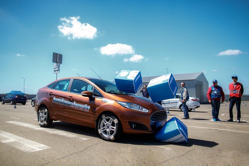 Чем выше горы... Ford научит южных водителей водить безопасно