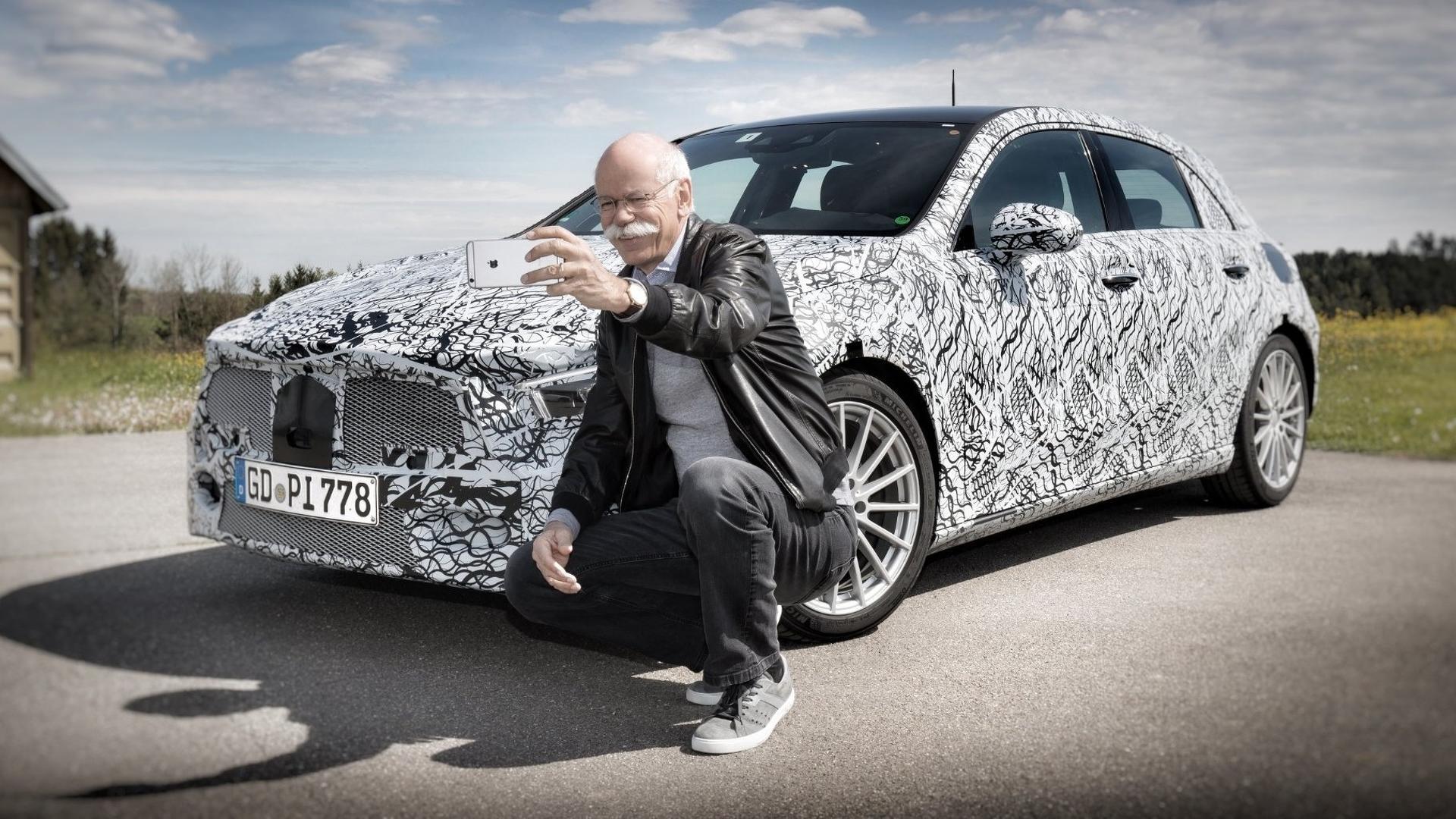 Селфи главы Daimler с новым Mercedes