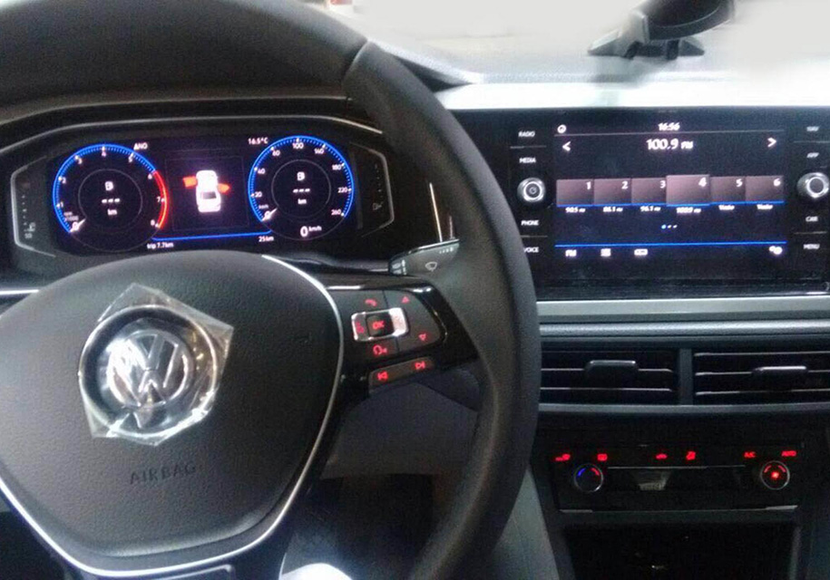 Новый VW Polo без камуфляжа