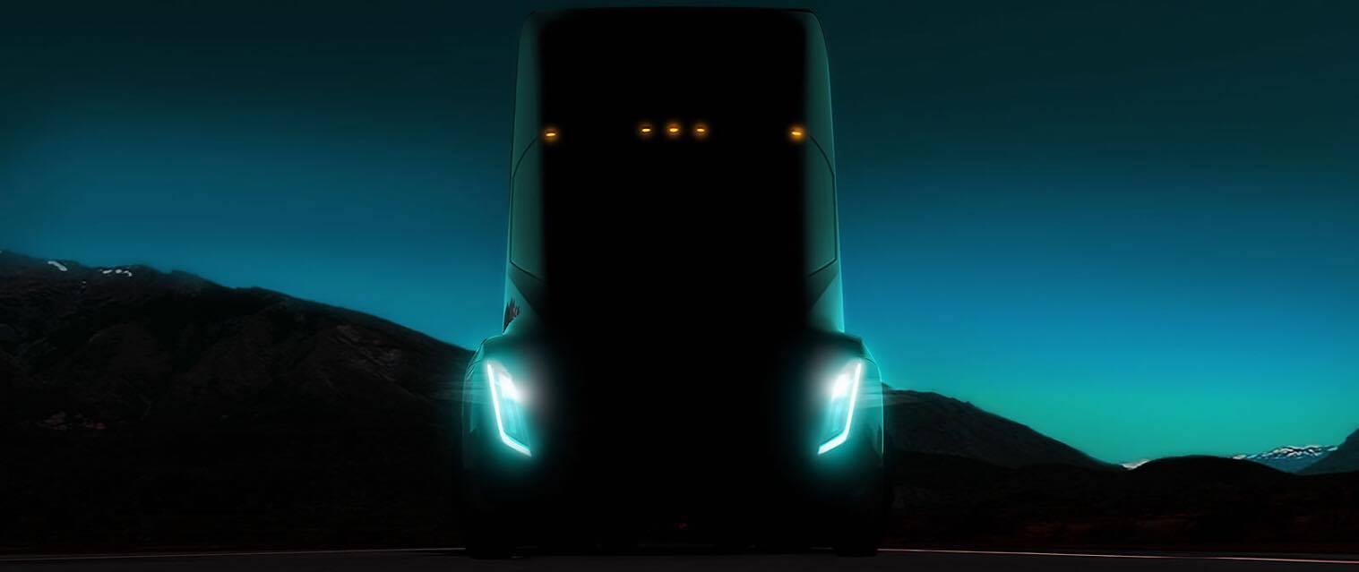 Илон Маск назвал дату выхода грузовика Tesla Semi
