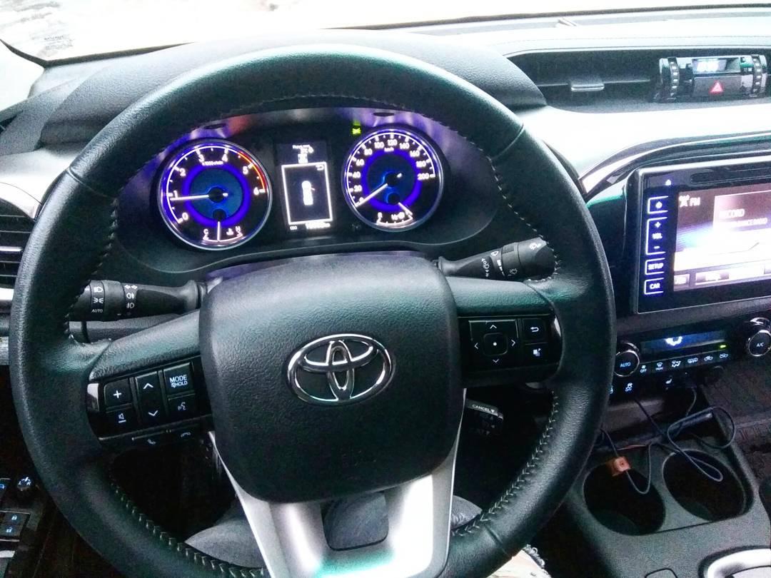 Hilux всемогущий: блиц-тест Toyota