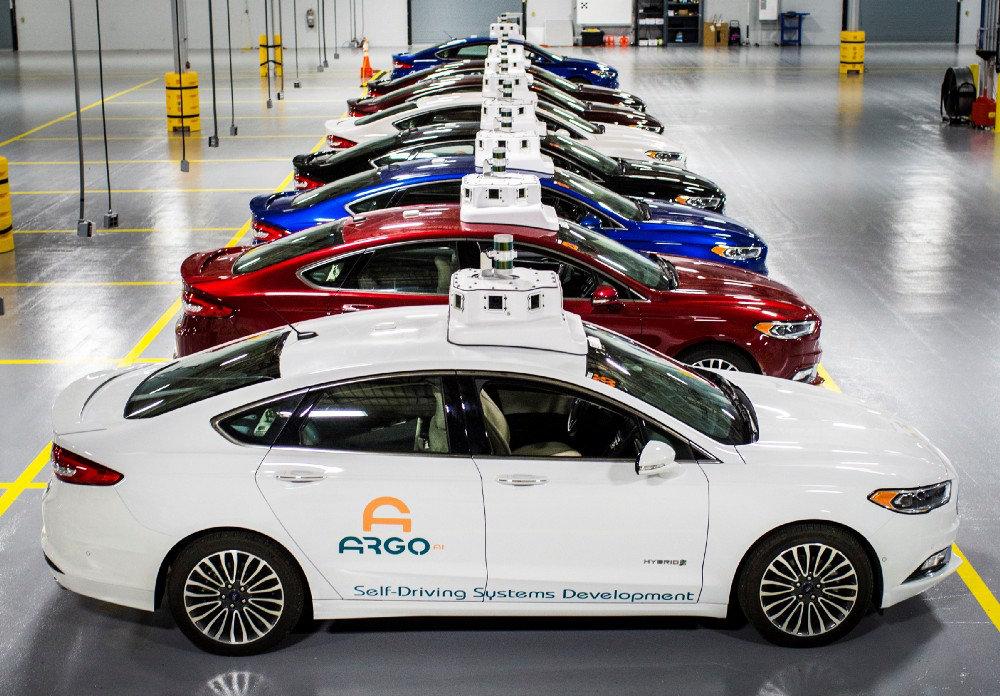 Боимся, но ждем: как относятся жители Земли к искусственному интеллекту узнал Ford