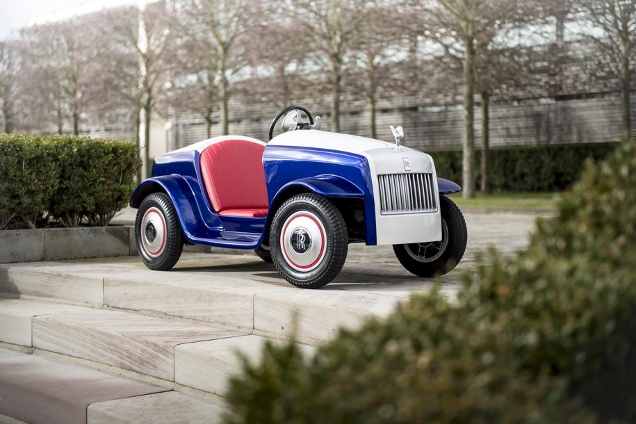 Rolls-Royce для самых маленьких прошел первое ТО