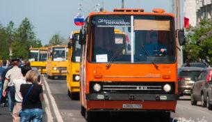 Четвертый Парад ретро-транспорта в Санкт-Петербурге