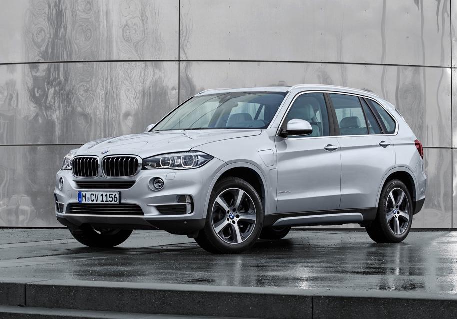 Названы официальные сроки появления новой BMW X5