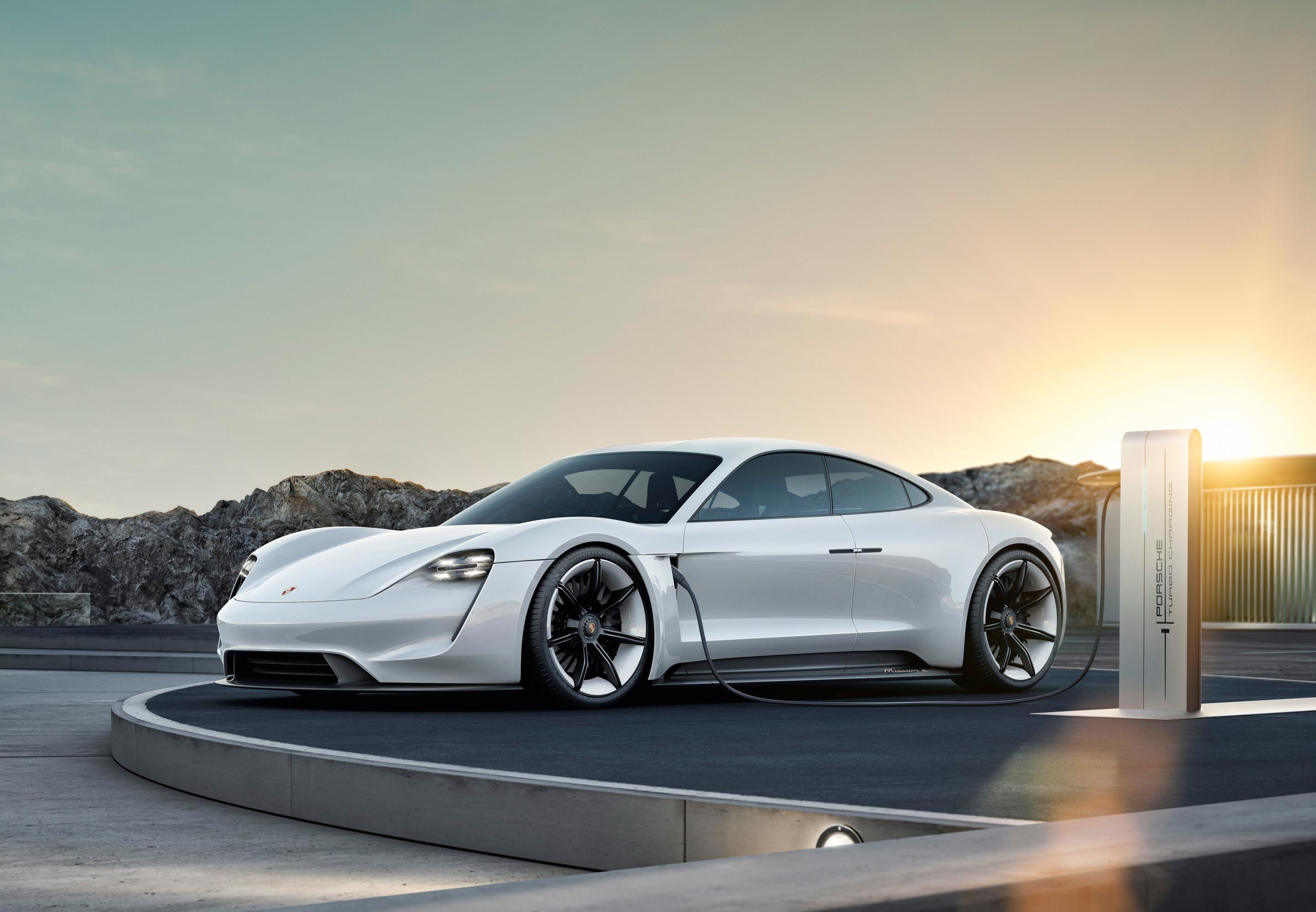 Porsche раскрыла характеристики модели Taycan
