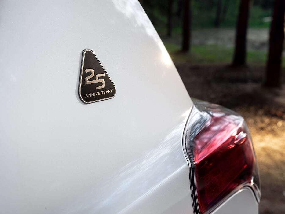 Toyota RAV4 получил юбилейную версию