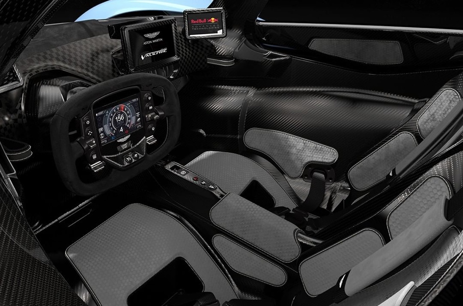 "Aston Martin показал фото ""Валькирии"""