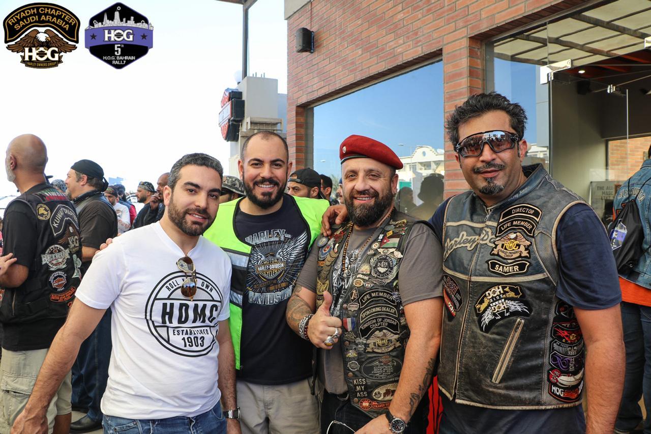 Русские мотоциклисты в Бахрейне