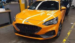 Ford Focus ST попал на шпионские фото