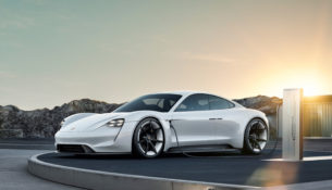 Porsche Taycan - объявлены цены