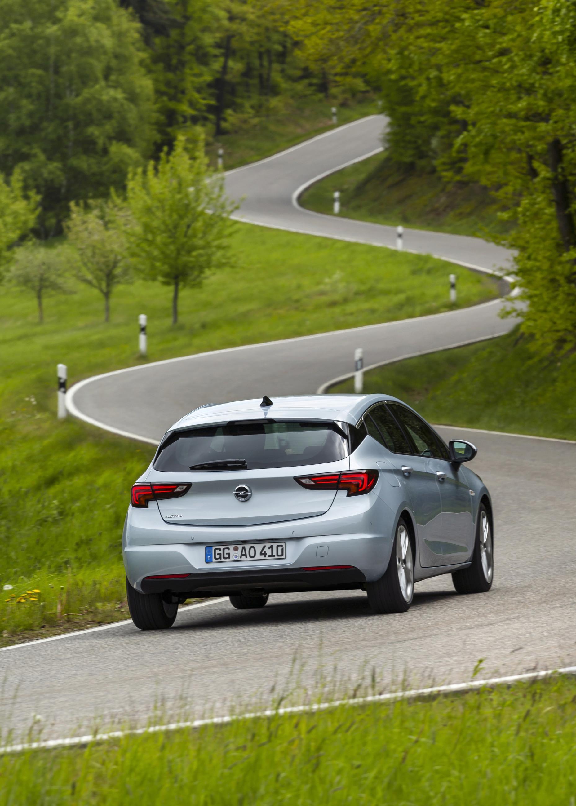 Opel Astra пережила обновление (и сохранила многое от GM)