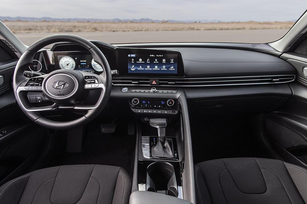 Hyundai презентовали новый Elantra: он вам не седан!