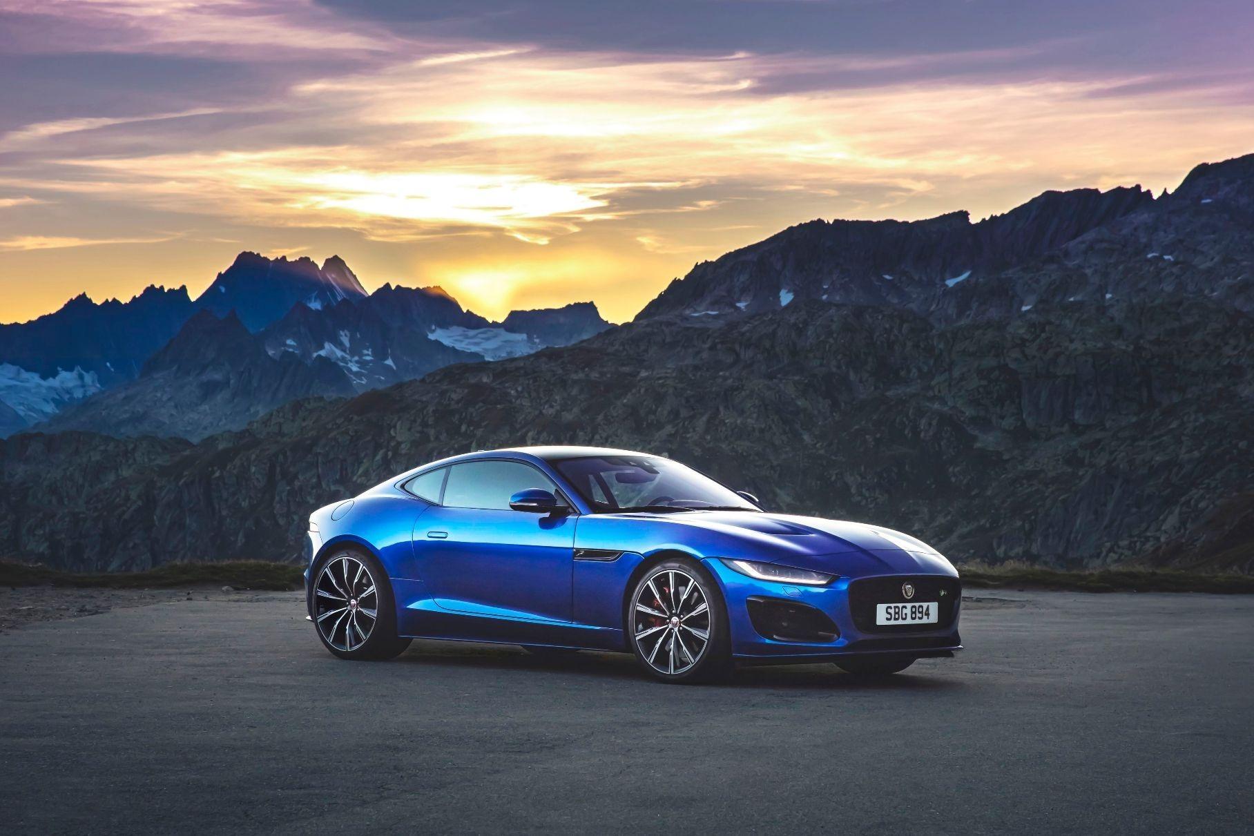 В России начались продажи нового Jaguar F-Type
