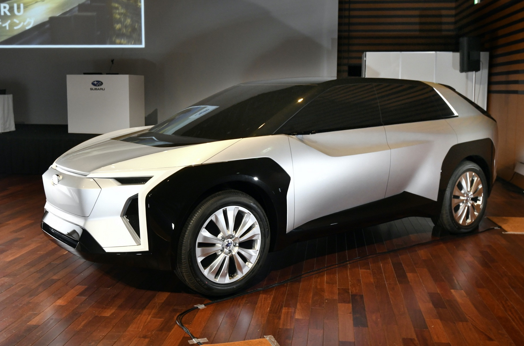 Первый электромобиль Subaru получил имя и характеристики
