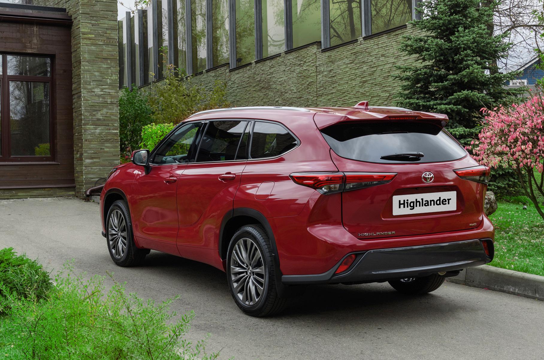 Toyota раскрыла подробности о новом Highlander для России