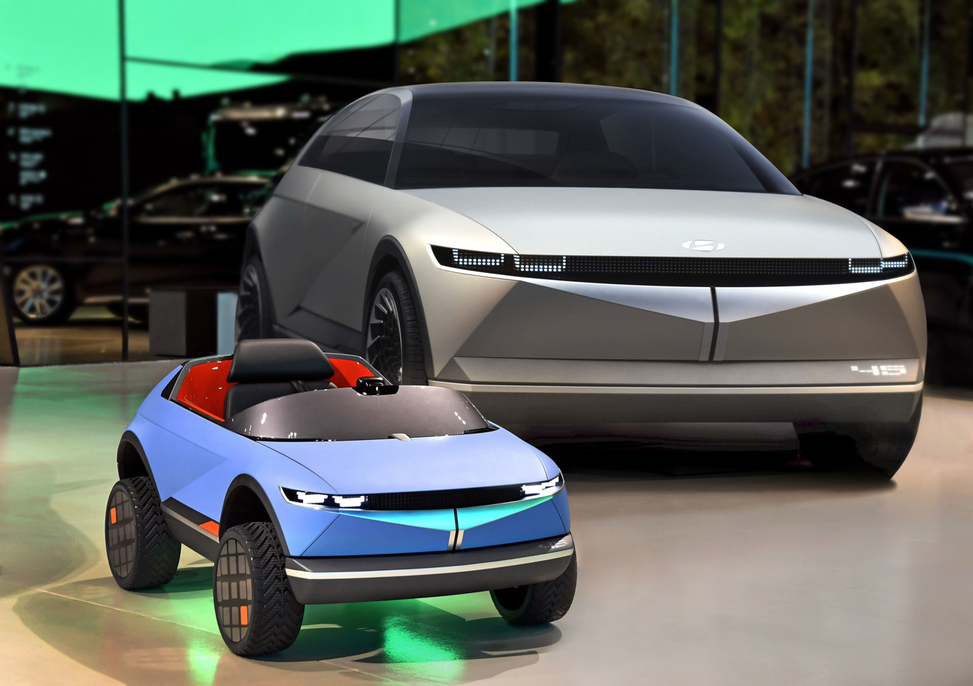 Hyundai представила самый маленький электромобиль