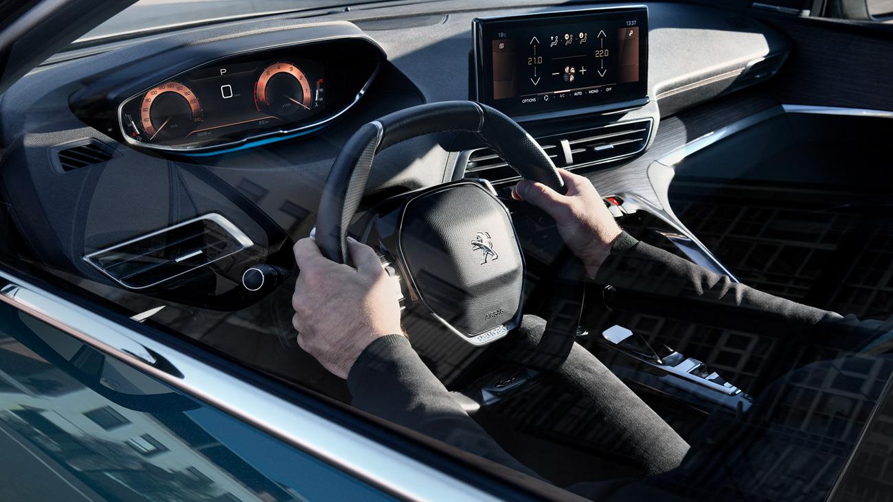 Объявлены цены на обновленные Peugeot 3008 и 5008