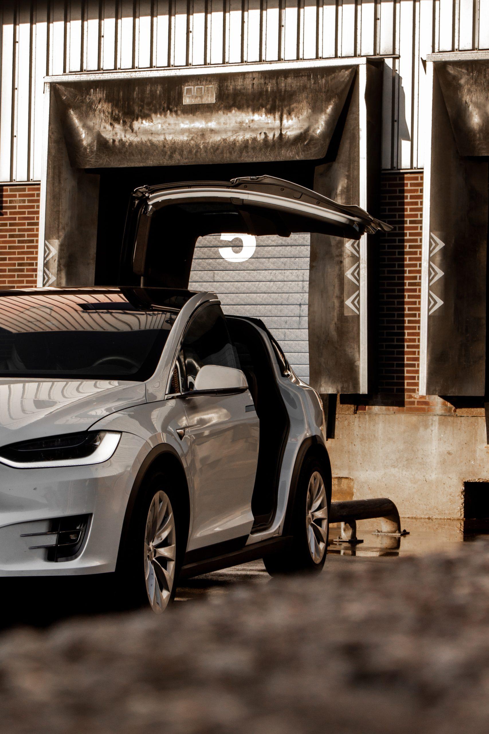 Надо брать: Илон Маск предупредил о падении акций Tesla