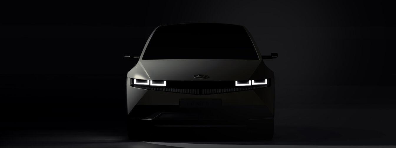 Hyundai показала тизеры электромобиля Ioniq