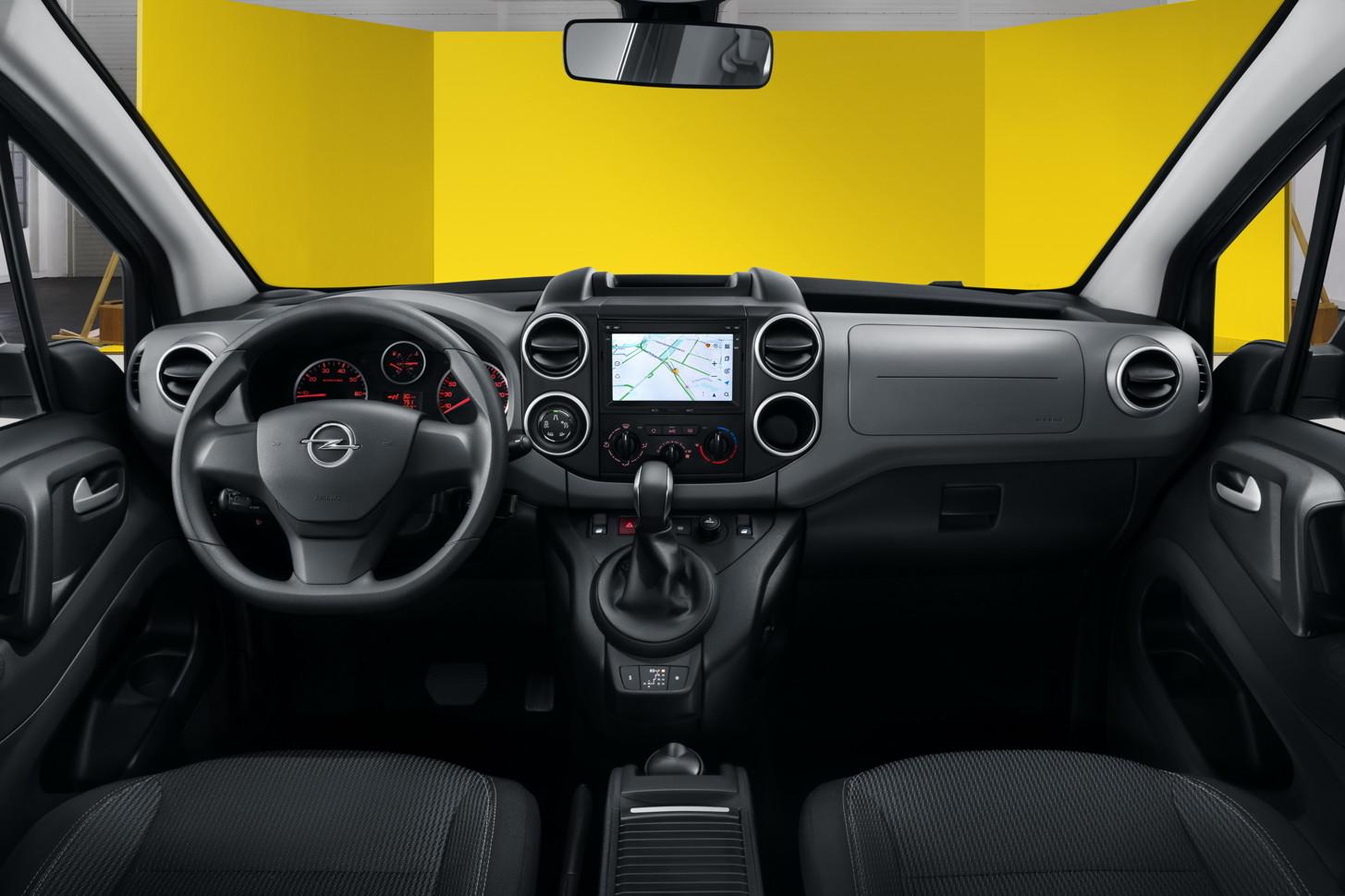 Opel начнет собирать в России компактвэн Combo Live