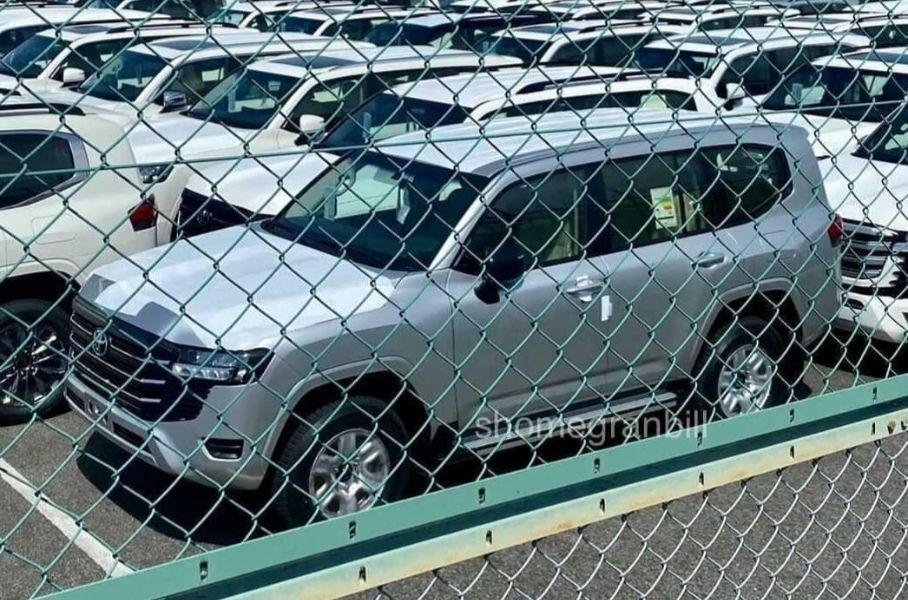 Фото нового Land Cruiser утекли в Сеть