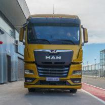 Новый грузовик MAN представили в Петербурге