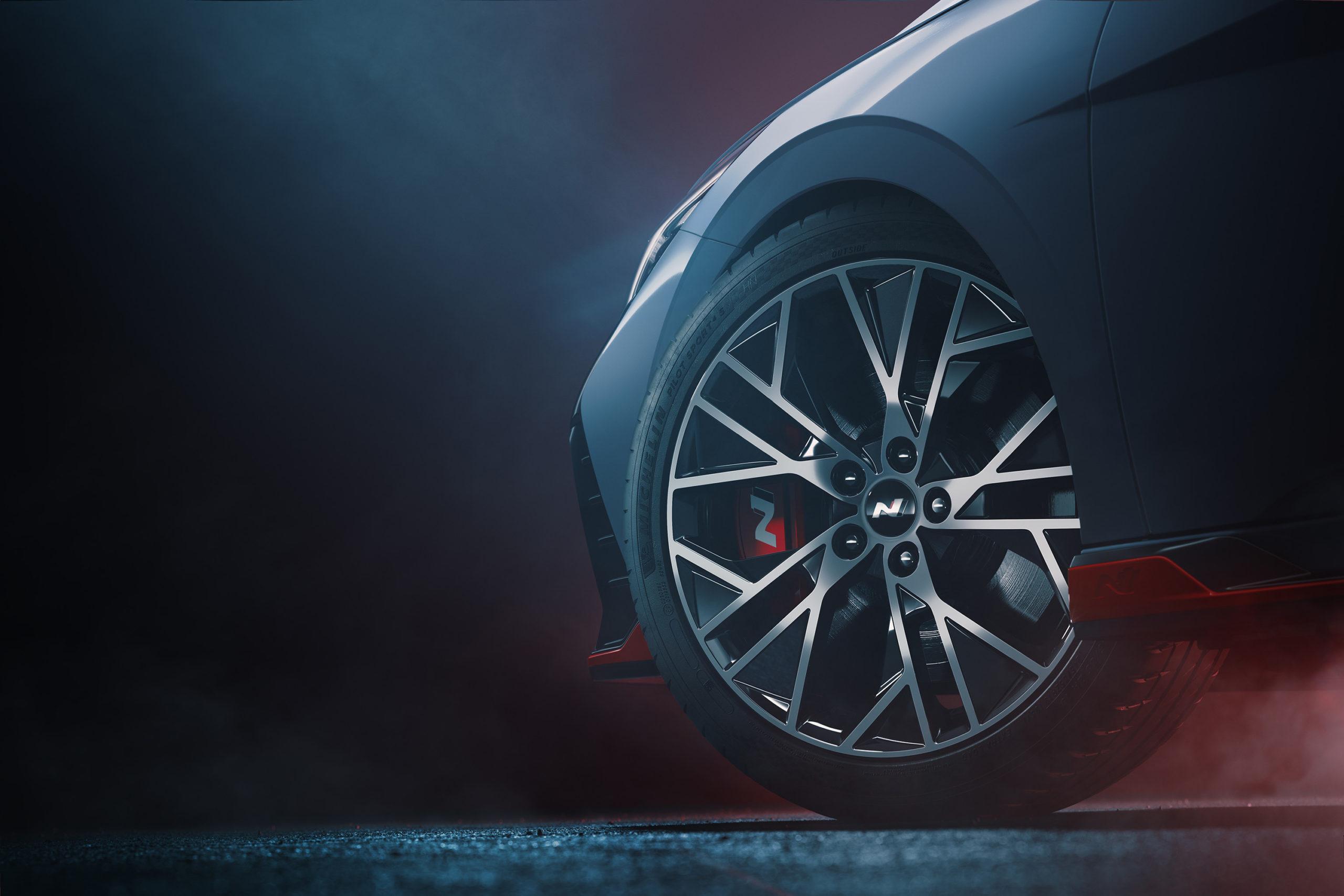 Hyundai показала спортивную Elantra