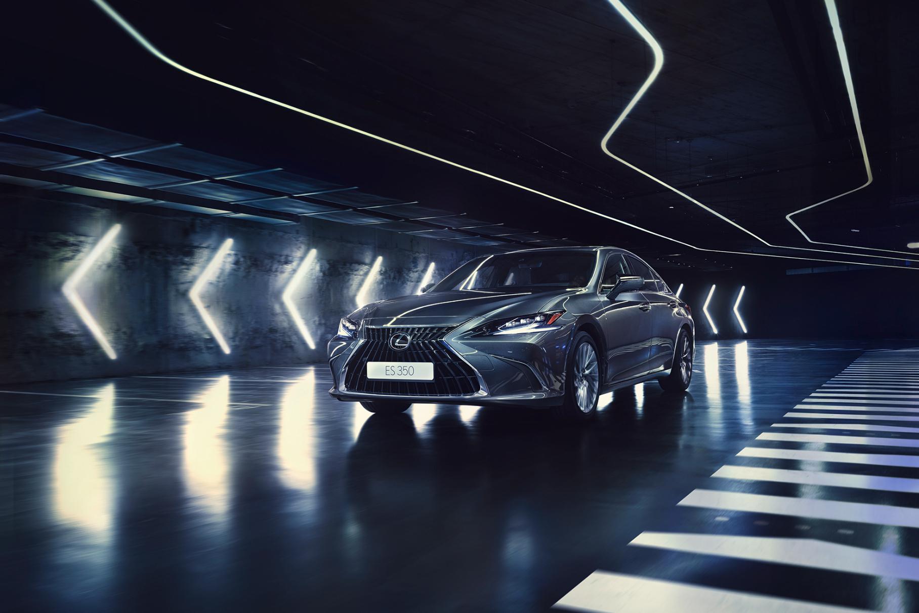 Объявлены цены на обновленный Lexus ES